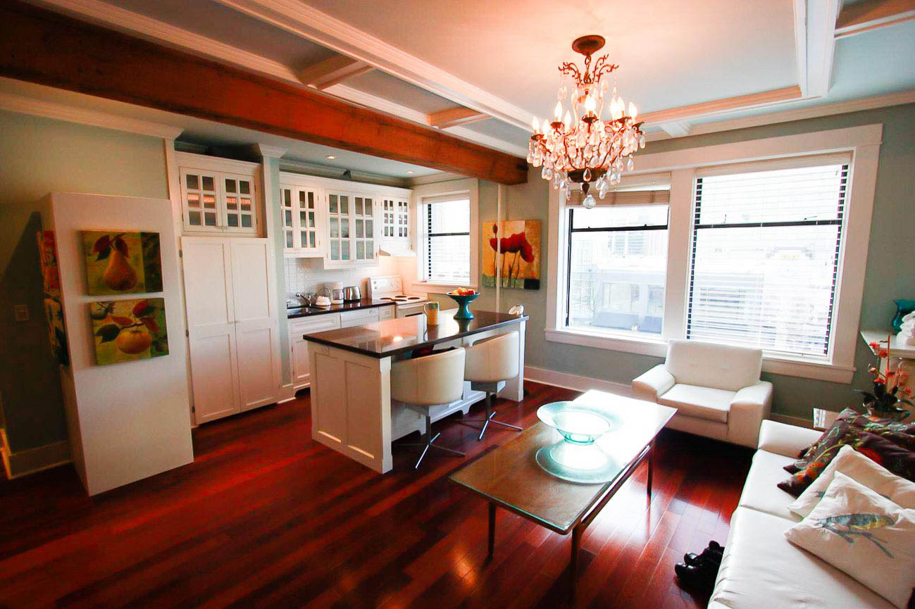Heritage Rental Apartment in Downtown Vancouver