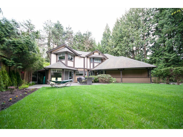 gorgeous family home in capilano north vancouver b c pool private rental