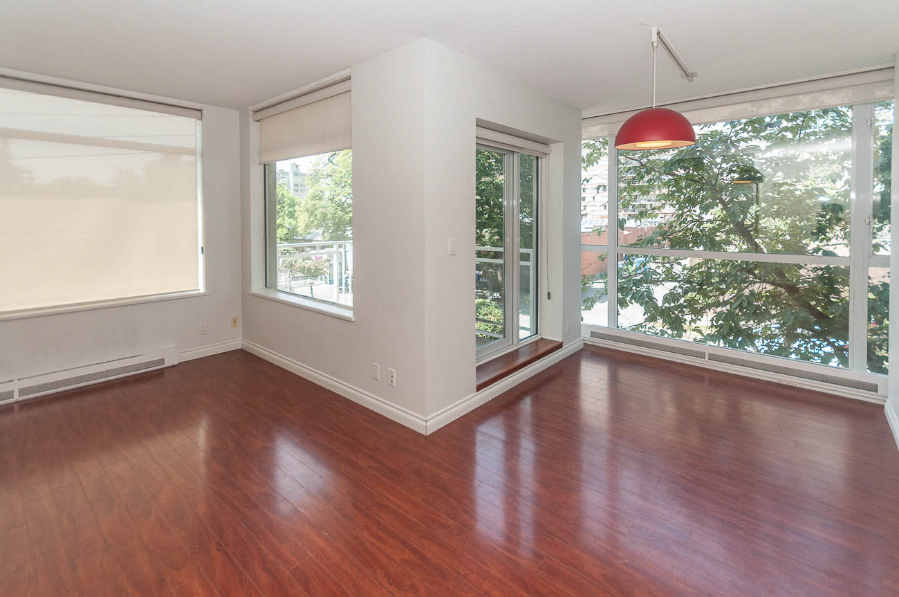 Apartment for rent downtown Vancouver BC WestEnd 1150 Bute